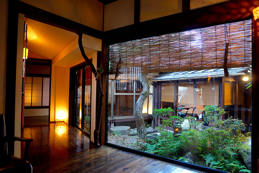 The original Mari building, with polished floors and manicured gardens gives an old world feel to the entire ryokan.