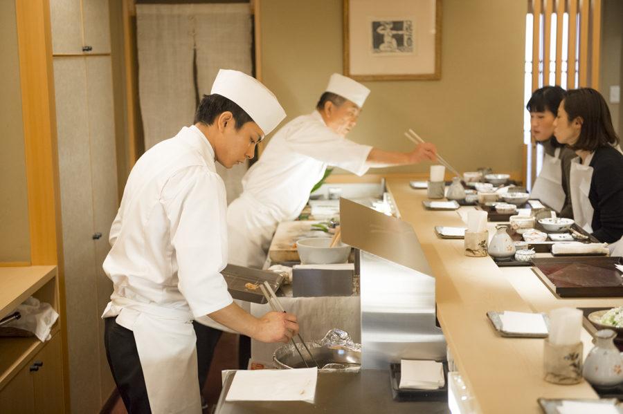 Kenichi Higuchi and his son Takahiro preparing each individual tempura.