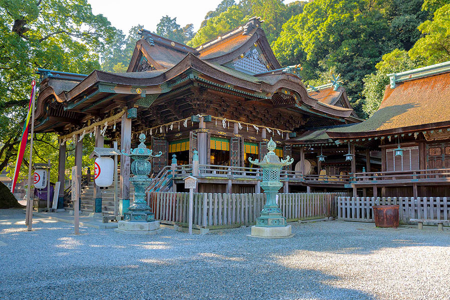 If the 1,386 steps to the inner shrine is a bit challenging, you can still see Kotohira gu, the main shrine, which is mercifully located at the halfway point.