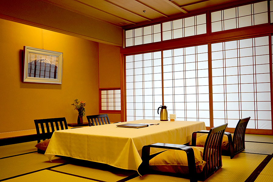 The spacious tatami rooms double as dining room and sleeping room.