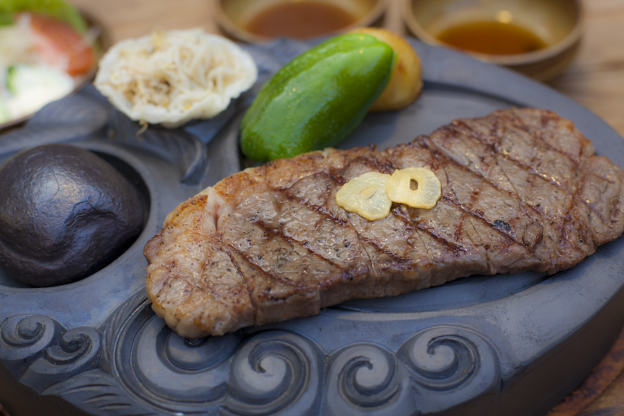 Iron Sanzoku prides itself on the quality of its special sumeragi beef.