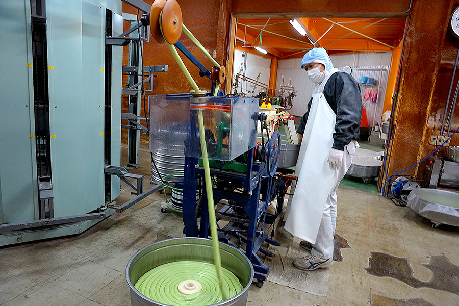 Today the factory was making their popular olive variety of soumen, accounting for the bright green color.