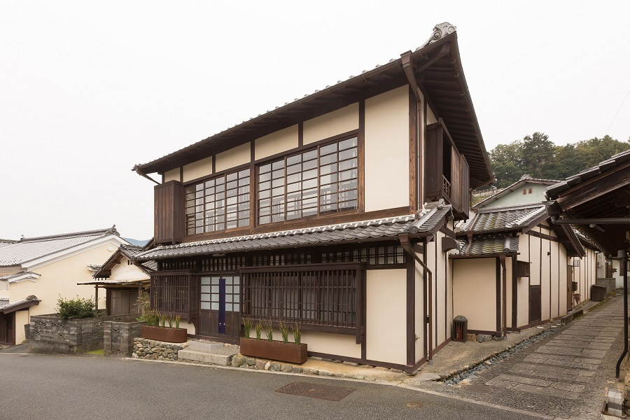 The renovated vacation rental property ORI in the middle of Uchiko's old town.