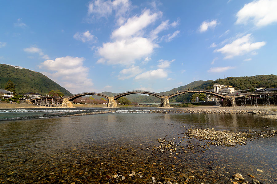 The five arches of Kintaikyo Bridge are held in place by gravity alone.