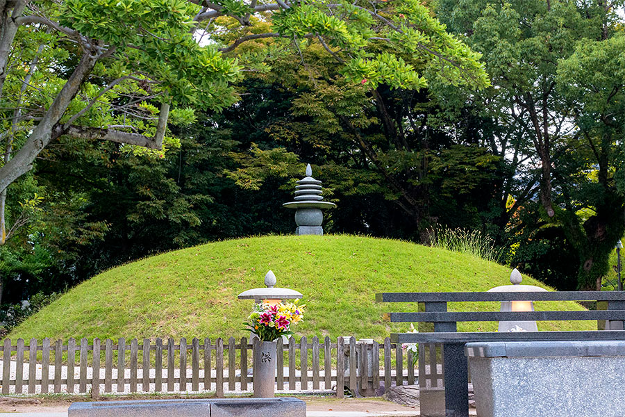 The crypt beneath the Peace Memorial Mound contains the ashes of more than 70,000 unidentified A-bomb victims.