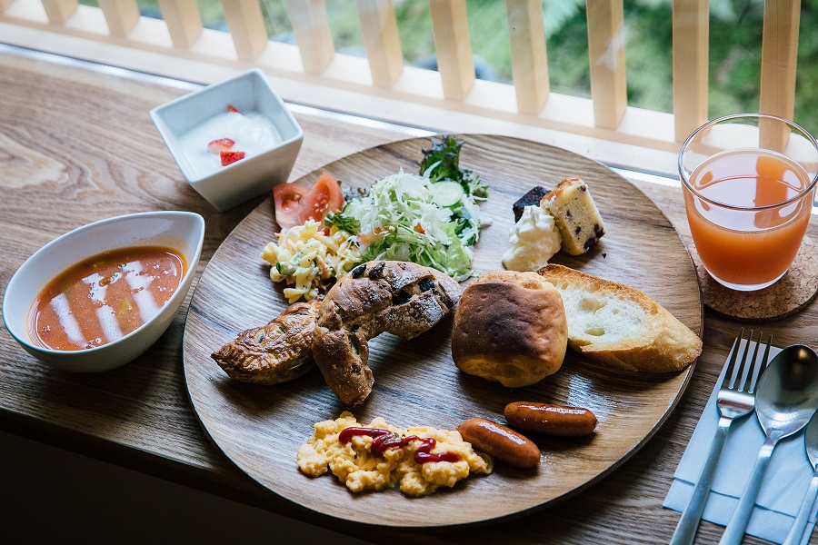 Every stay comes complete with a choice of a western or Japanese breakfast.