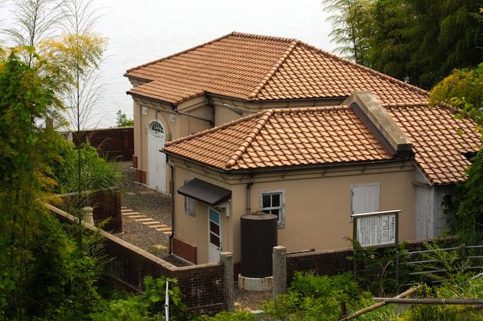 阿多田島灯台資料館